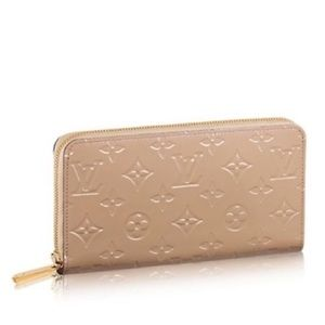 💚SALE💚 Louis Vuitton Vernis Zippy Wallet